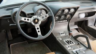 El panel de instrumentos del Lamborghini Miura Miura P400S de 1969 todavía mola