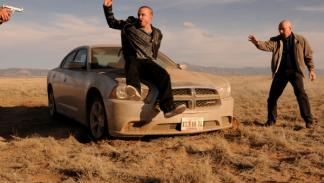 Ota escena de Breaking Bad, con un Dodge Charger SRT - coches de Braking Bad