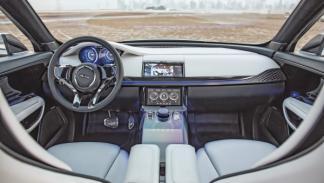 Interior del Jaguar C-X17