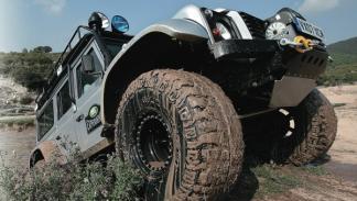 land-rover-defender-big-foot-escalada
