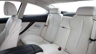 BMW-640i-Coupe-2011-interior-plazas-traseras