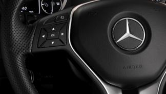 Mercedes Clase B volante