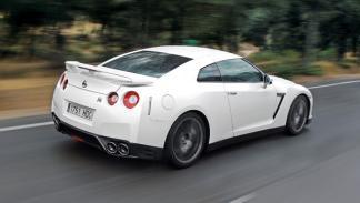 Nissan GT-R trasera