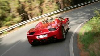 Ferrari-458-Spider-exterior-trasera