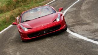 Ferrari-458-Spider-exterior-curva