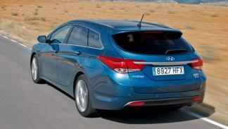 Hyundai-i40-CW-exterior-trasera