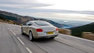 bentley-continental-gt-2011-dinamica-trasera