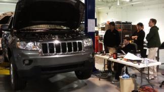 Jeep Grand Cherokee eléctrico equipo