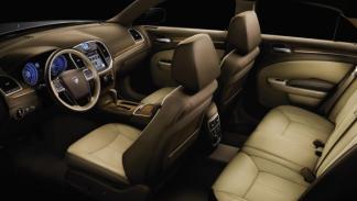 Lancia Thema interior