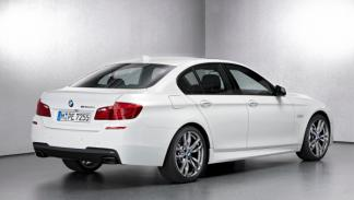 BMW M550d xDrive lateral trasera