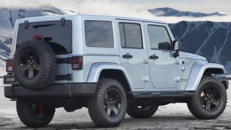 Jeep Wrangler Artic trasera