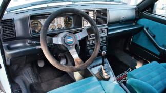 Lancia Delta HF Integrale Evo 2 interior