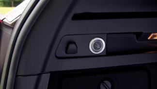 Ford-bola-remolque-retráctil-botón