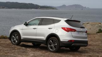 Hyundai-santa-Fe-estática-trasera
