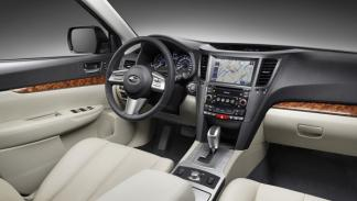 Subaru-Outback-3.6-R-Aut.-interior-salpicadero