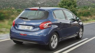 Peugeot 208 trasera dinámica