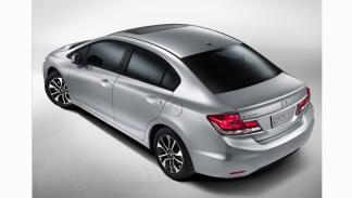 Honda Civic Sedan 2013 trasera