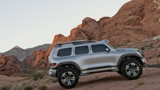 Mercedes Ener-G-Force lateral estática
