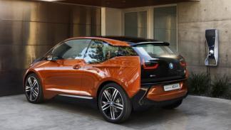 BMW i3 Concept Coupe con estación de repostaje