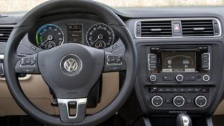 Volkswagen Jetta Hybrid interior