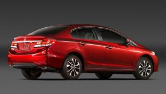 Honda_Civic_Sedan_2013_trasera