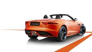 Jaguar-F-Type-Black-Pack-Firesand-estática-trasera