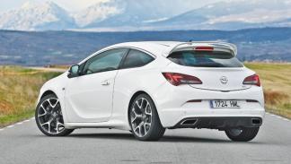 Opel Astra OPC 2012 trasera