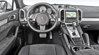 Porsche Cayanne GTS, interior