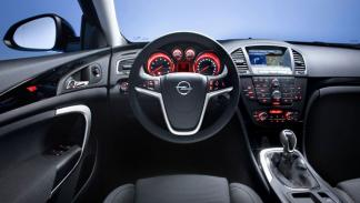 Opel Insignia CrossFour interior salpicadero