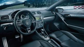 volkswagen-golf-r-cabrio-interior