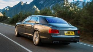 Bentley Flying Spur trasera