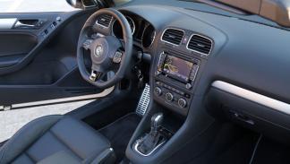Volkswagen Golf R Cabrio interior salpicadero