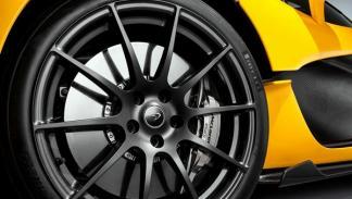 McLaren_P1_oficiales_llanta
