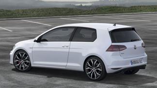 Volkswagen Golf GTI 7 estática lateral