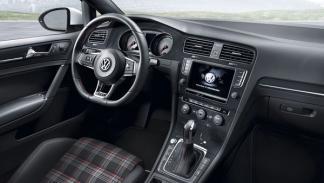 Volkswagen Golf GTI 7 interior salpicadero
