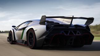 Lamborghini_Veneno_2013_trasera