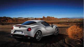Alfa Romeo 4C Launch Edition trasera Salón de Ginebra 2013