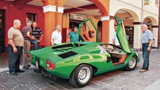 Lamborghini Countach señores