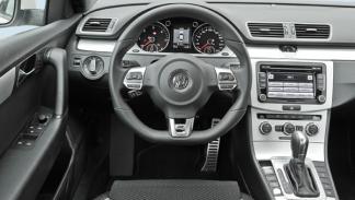Volkswagen Passat R Line 2.0 TDI DSG salpicadero