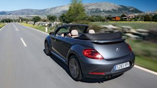 Volkswagen-Bettle-Cabrio-trasera