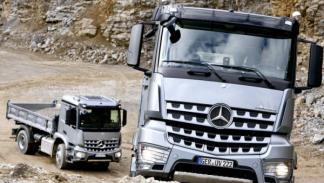 Mercedes Arocs subida caravana