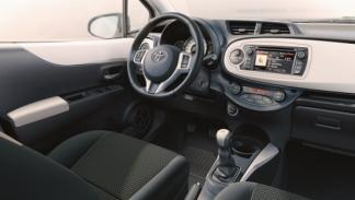 Toyota Yaris Soho interior