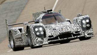 Porsche LMP1 curva