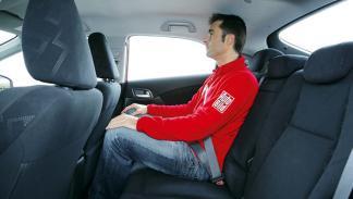 Honda Civic 1.6 i-DTEC plazas traseras