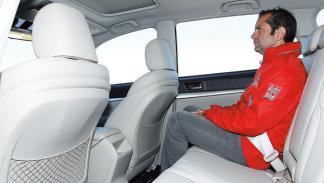 Subaru Outback 2.0 D Lineartronic plazas traseras