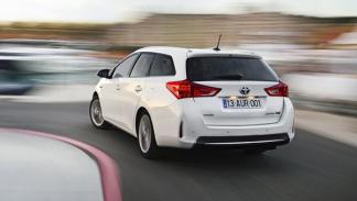 Toyota Auris Touring Sports trasera