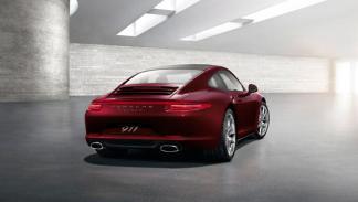 Porsche 911 GUM Red Square Edition trasera