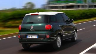 Fiat 500 Living trasera