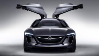 Frontal Opel Monza 2014 con puertas abiertas
