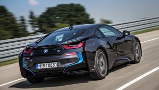 BMW i8 trasera dinámica
